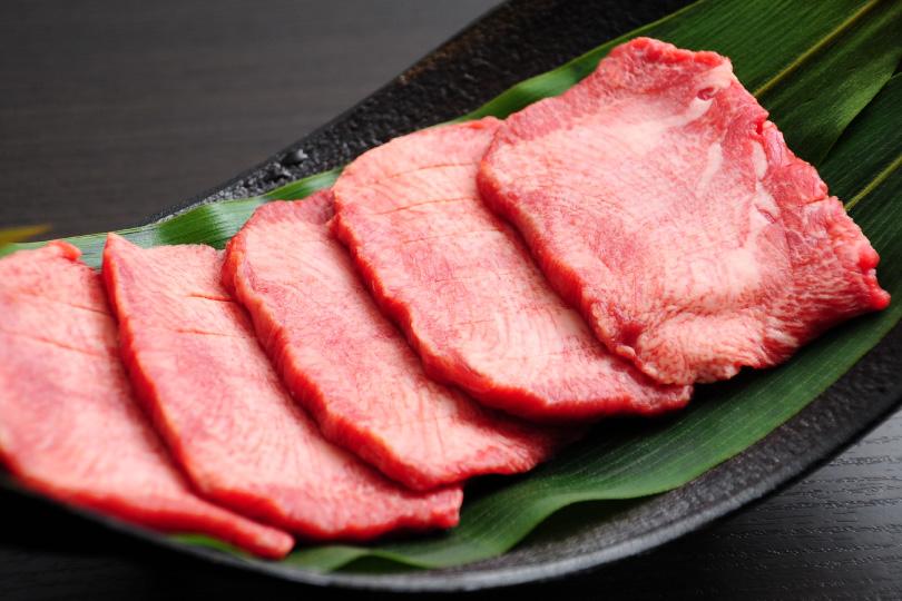 仙台直送厚切り熟成牛タン1人前2,500円
