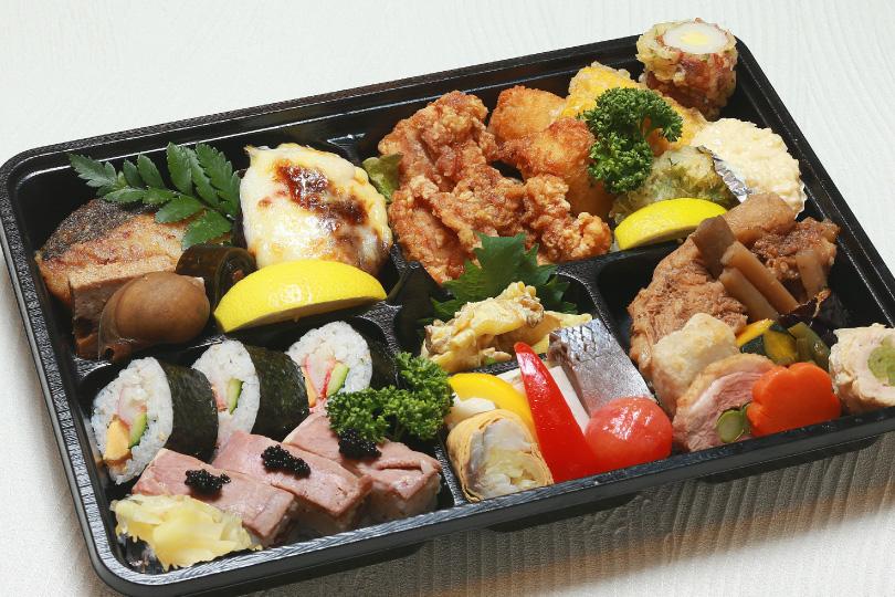 お弁当2,000円(要予約)