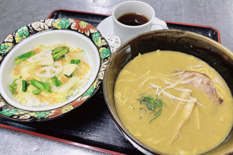 濃厚川蟹ラーメンと季節ごはんセット