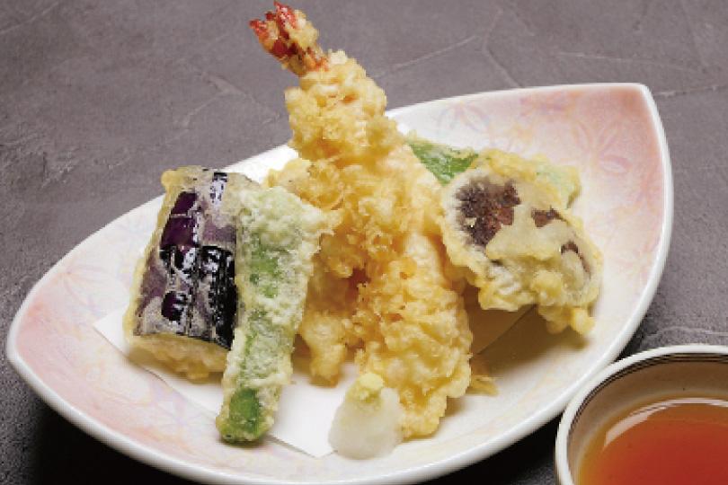 天ぷら盛り合わせ1,200円