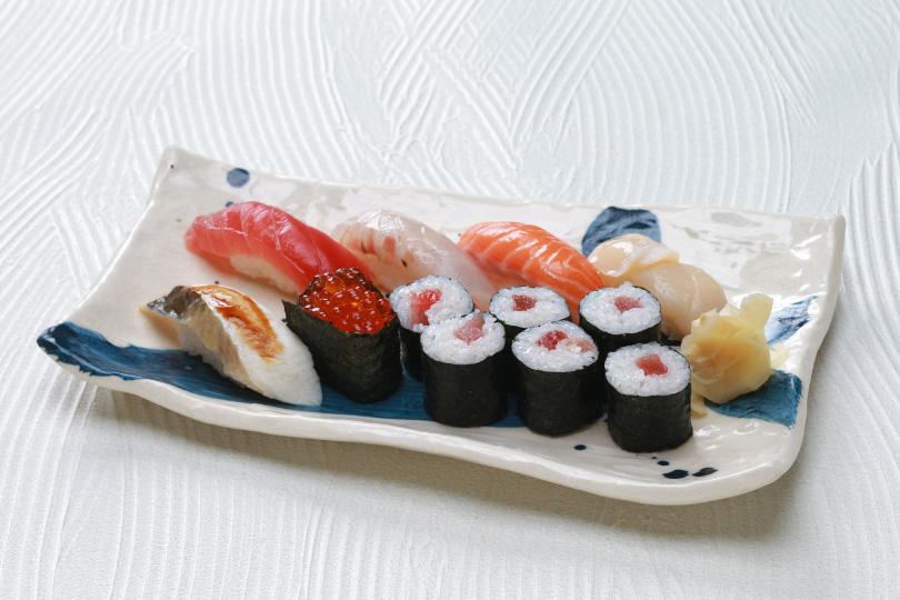 稲瀬お任せ寿司 1,300円 <br /> ネタはその日仕入れた旬なお魚を提供