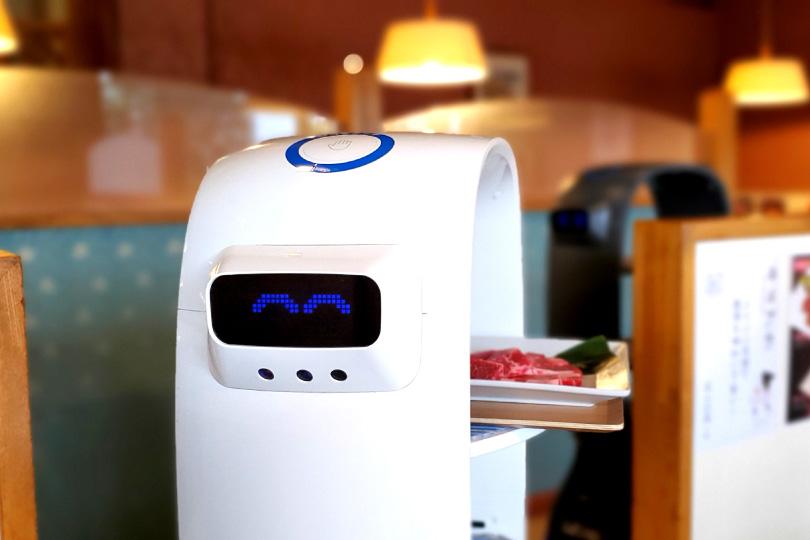 県内初!ロボットが配膳いたします♪<br /> 名前は『ハッピー』